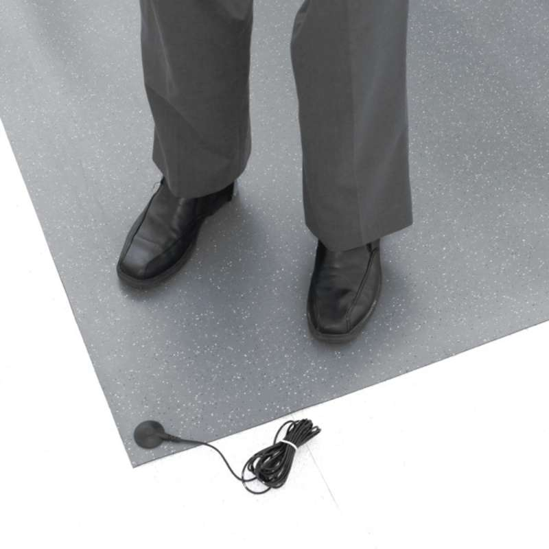 DS Series 2-Layer Diss/Cond Textured Heavy Duty Rubber Floor Mat with Two Snaps and Ground Cord, Gre